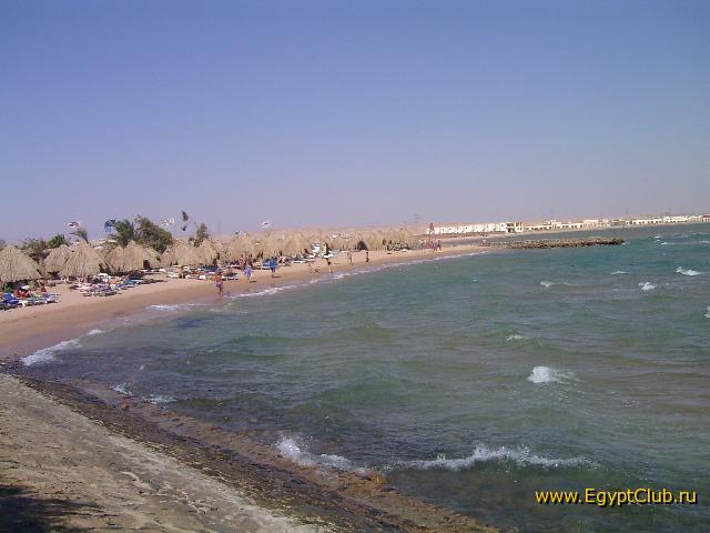 """""""Пляж Жасмина (Хургада) """" Фото пляжа отеля Жасмин (Хургада)- ветрено Фото сделано с волнореза."""
